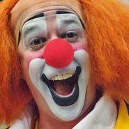 Клоунский нос (поролон) с прорезью